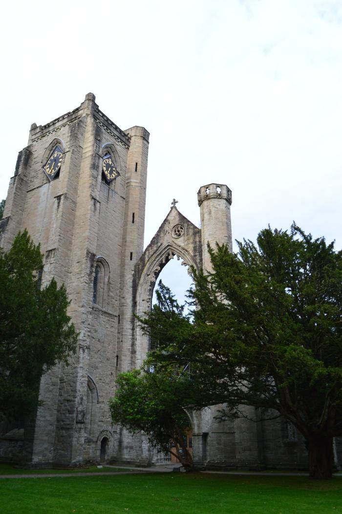 123. W ruinach katedryDunkeld.